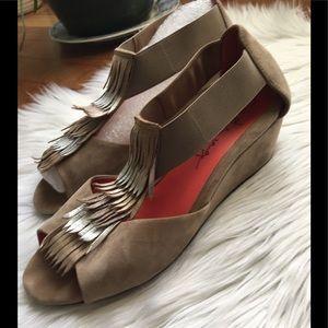 PAS DE ROUGE Open Toe Suede Wedges Sandals